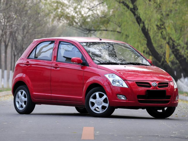 FAW To Assemble 1000cc V2 Hatchback Locally By 2017 9