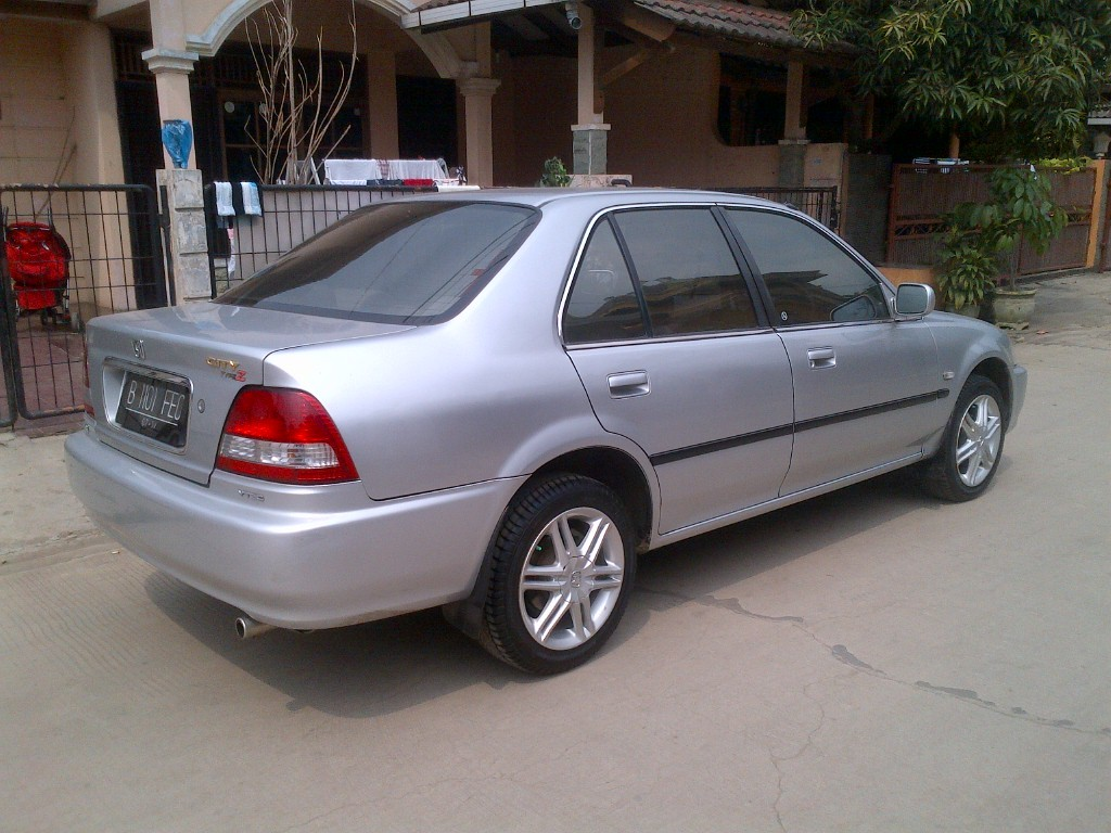 10 Most Beautiful Sedans In Pakistan 37