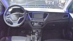 2017-Hyundai-Verna-dashboard-makes-world-premiere