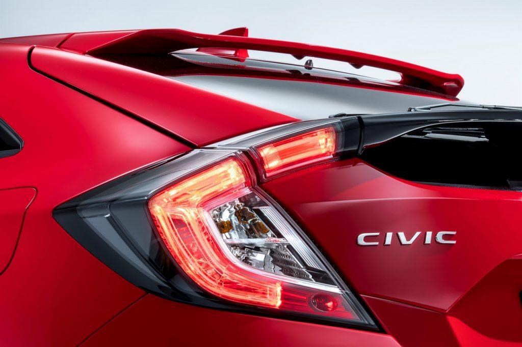 2017 Honda Civic (Euro-Spec) Hatchback Teased 6