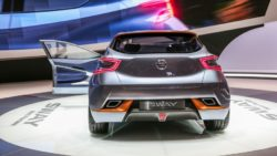 Nissan Sway concept 108 876x535