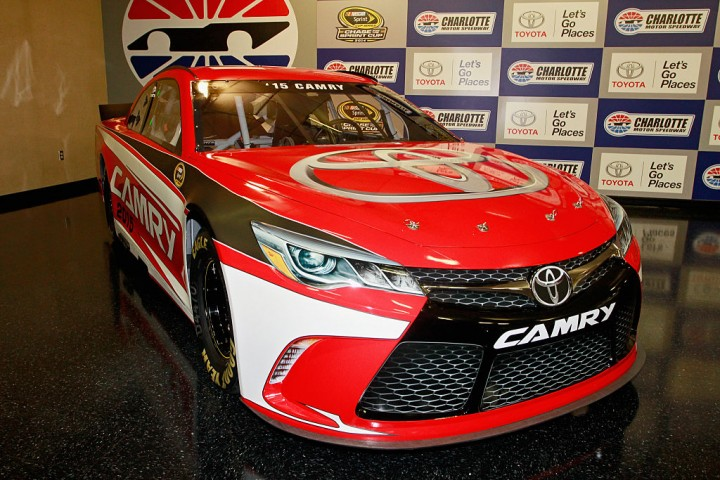 toyota-camry-at-nascar