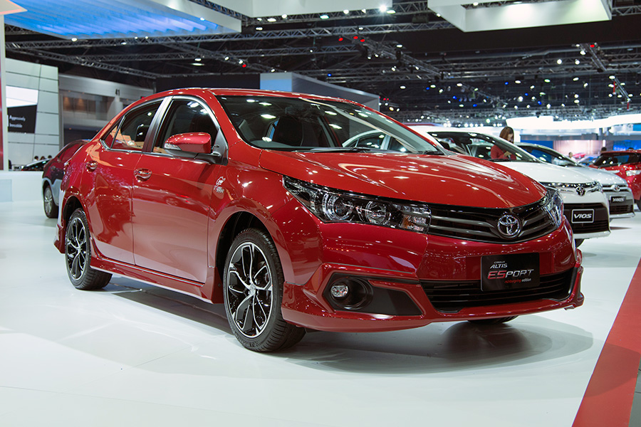 2016-toyota-corolla-esport-red-in-thailand