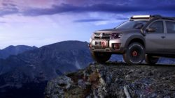 Renault Duster Extreme Concept front three quarters left side