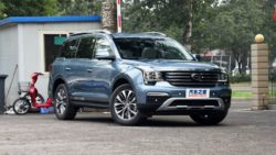 GAC Trumpchi GS8- The Finest Chinese SUV Ever 17
