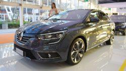 Renault Megane Sedan front three quarters at 2016 Bologna Motor Show