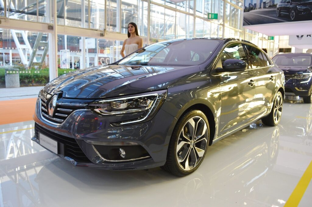 Renault Showcased New Megane Sedan at Bologna Motor Show 8