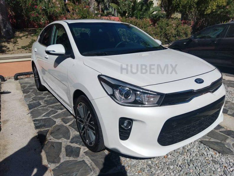 2017 Kia Rio Sedan Spied Undisguised in Mexico 1