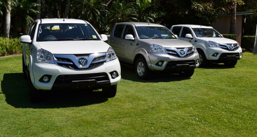 China Donates 10 Foton Double-Cabin Pickups for SPU 10