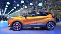 Facelift Renault Captur Debuts at Geneva Motor Show 2017 3