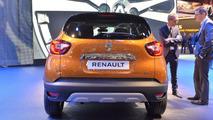 Facelift Renault Captur Debuts at Geneva Motor Show 2017 4