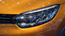 Facelift Renault Captur Debuts at Geneva Motor Show 2017 5
