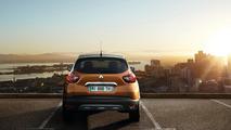 Facelift Renault Captur Debuts at Geneva Motor Show 2017 14