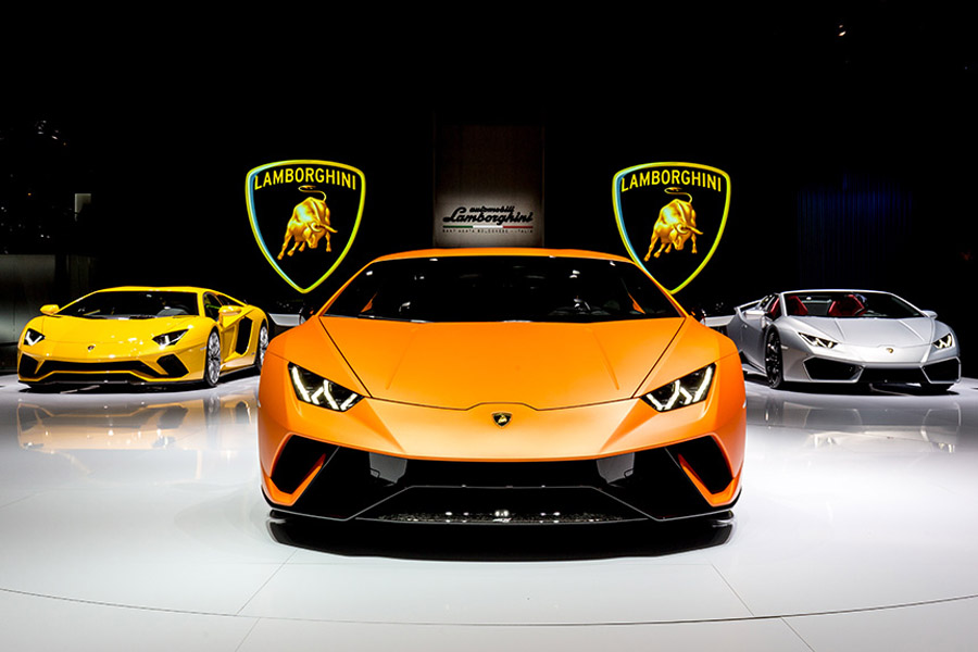 Lamborghini Rolls Out 8000th Huracan in Just 3 Years 7