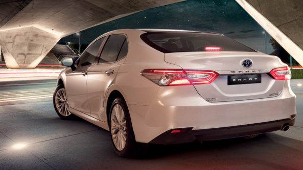 Indus Motors Launch the Toyota Camry Hybrid in Pakistan 2