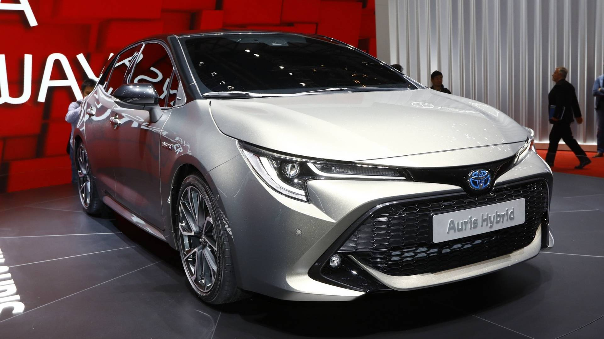 Next Generation Toyota Auris Debuts in Geneva 3