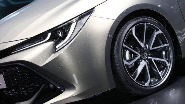 Next Generation Toyota Auris Debuts in Geneva 8