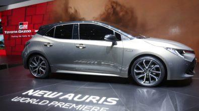 Next Generation Toyota Auris Debuts in Geneva 14
