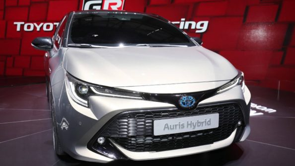 Next Generation Toyota Auris Debuts in Geneva 17
