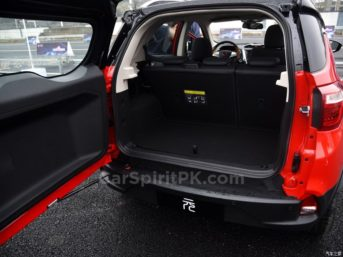 BYD Yuan Subcompact Crossover 28