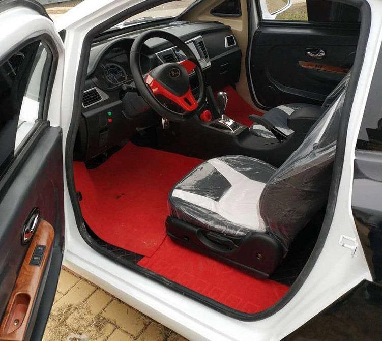 Chinese LSEV that looks like a Bugatti Chiron 5