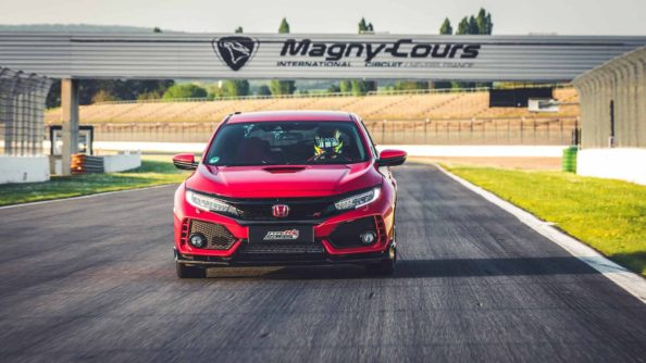 Honda Civic Type R is the Fastest Front-Wheel-Drive Car at Magny-Cours 1