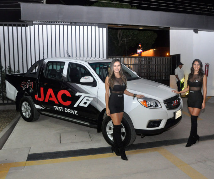JAC T6 Launched in Bolivia 10