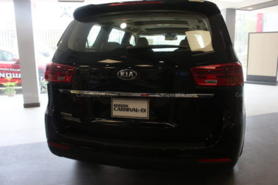 Hyundai Santa Fe for PKR 18.5 Million- What Else Can You Buy? 7