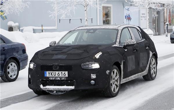 Spy Shots: Lynk & Co 04 Hatchback 2
