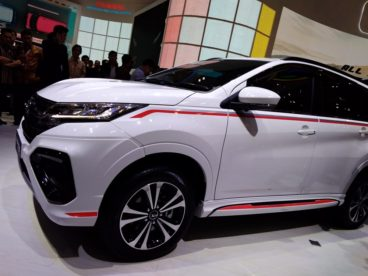 Daihatsu Terios Custom at GIIAS 2018 14