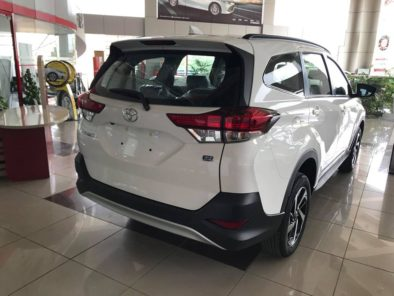 2018 Toyota Rush MPV Launched in Pakistan 4
