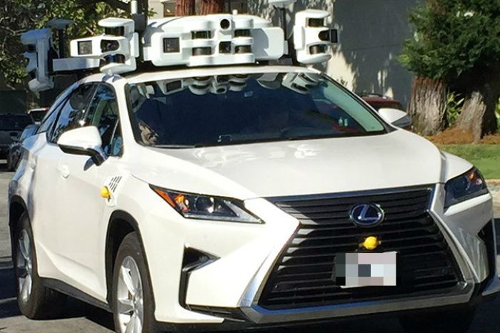 Apple Self-Driving Test Car Gets Rear-Ended by a Nissan Leaf 5
