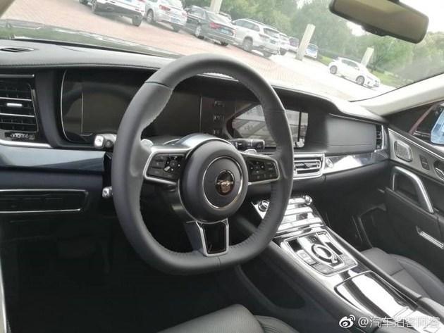 Zotye Copies the Range Rover Sport 8
