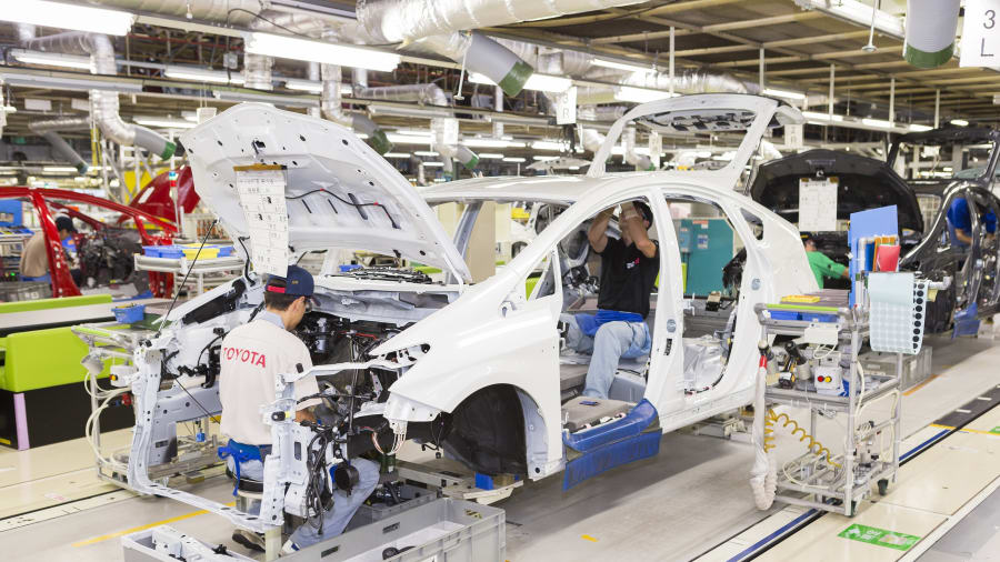 Toyota to Resume Vehicle Production in Japan 6