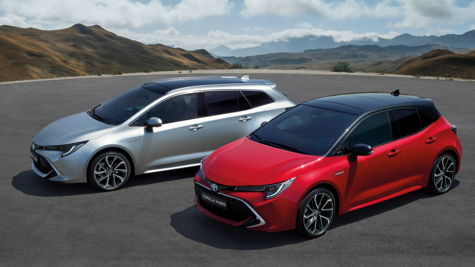 New Toyota Corolla Debuts With Two Flavors at Paris Motor Show 9