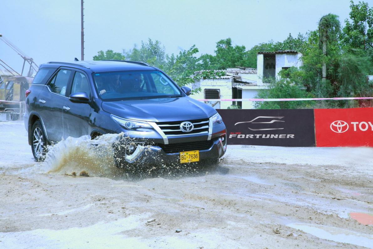 Hyundai Santa Fe for PKR 18.5 Million- What Else Can You Buy? 15