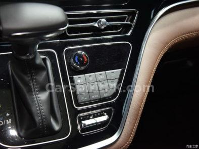 Hanteng Unveils the V7 MPV at 2018 Guangzhou Auto Show 25