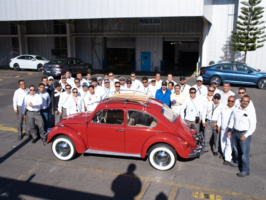 Volkswagen Restores 1966 Beetle for Its Original Owner Free of Cost 1