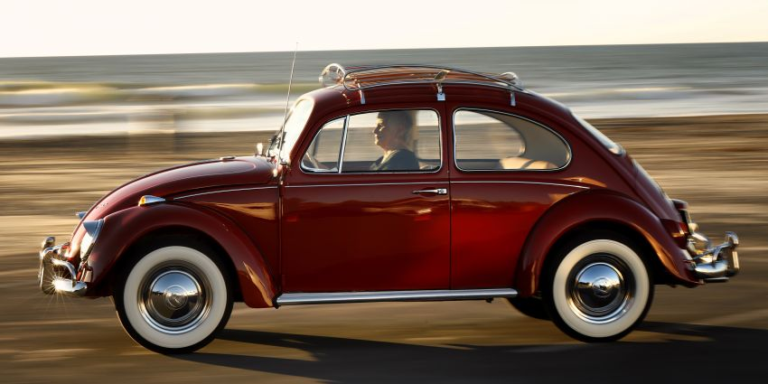 Volkswagen Restores 1966 Beetle for Its Original Owner Free of Cost 29