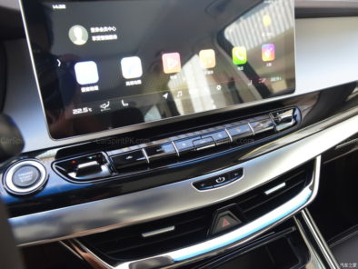 Geely Unveils Its First MPV- JiaJi in China 22