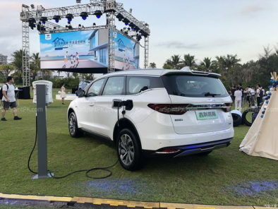 Geely Unveils Its First MPV- JiaJi in China 47