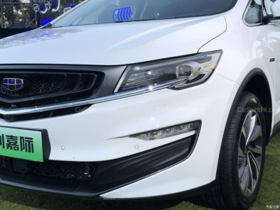 Geely Unveils Its First MPV- JiaJi in China 50