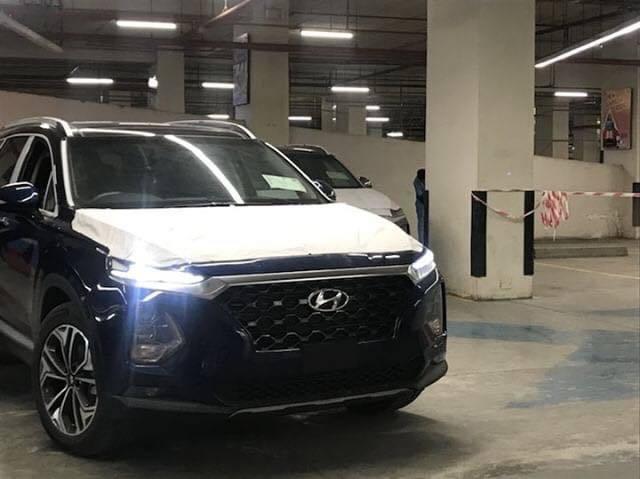 Hyundai Nishat Showcasing the Sante Fe 2