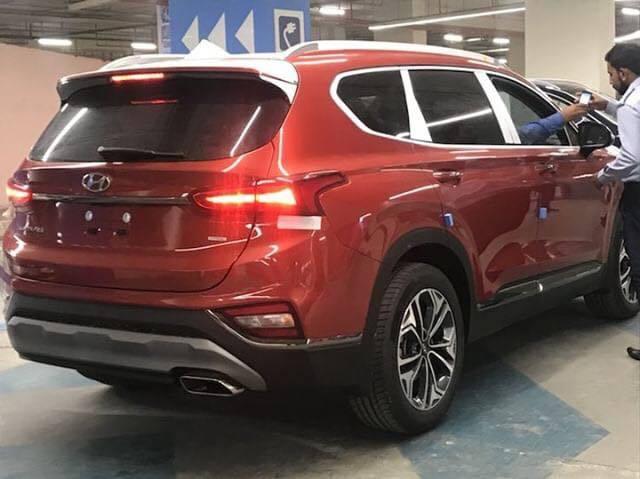 Hyundai Nishat Showcasing the Sante Fe 5