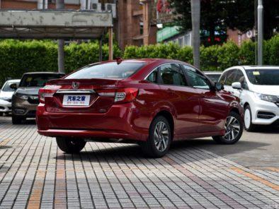 Honda Envix- Bigger than Civic, Smaller than City 15