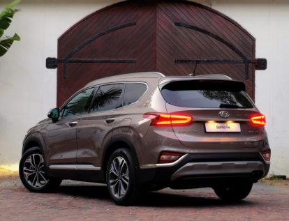 Hyundai Nishat Showcasing the Sante Fe 7