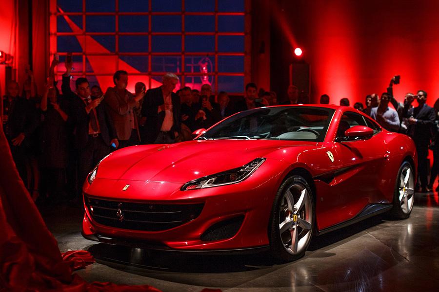 BYD Recruits Ferrari & Mercedes Designers as Head of Exterior & Interior Design 6