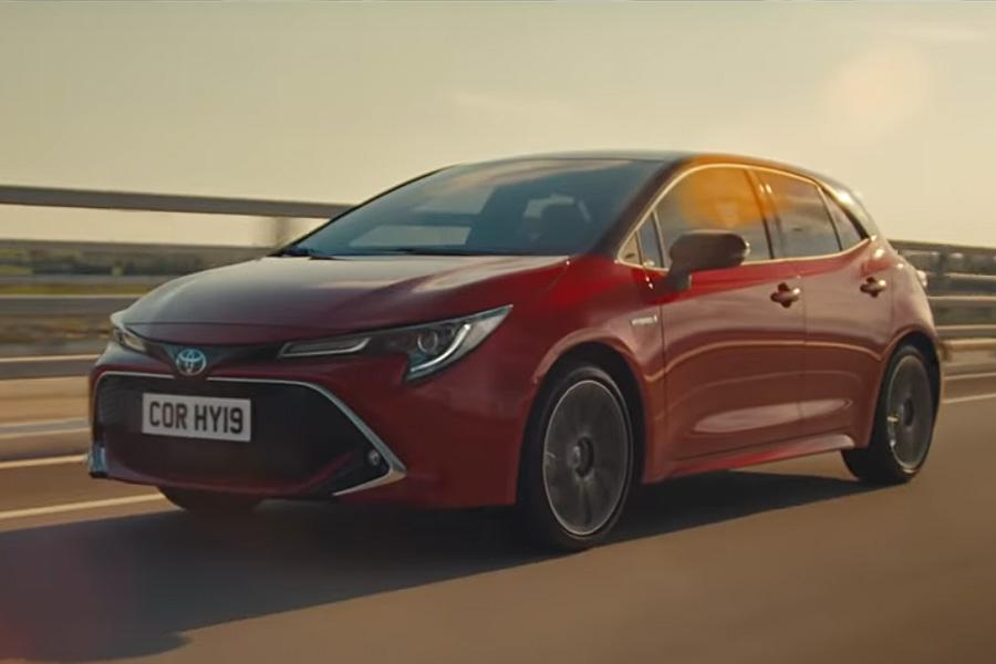 Corolla Hybrid Ad Ignites EV Lovers in US 4
