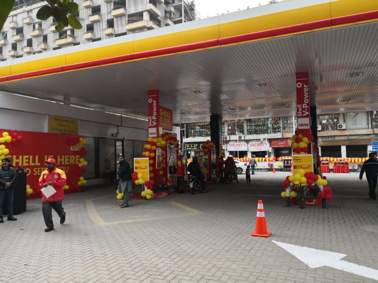 Shell Re-Launches 3 Retail Fuel Sites in Lahore 1
