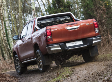 Should Toyota Introduce Hilux Revo Facelift in Pakistan? 10